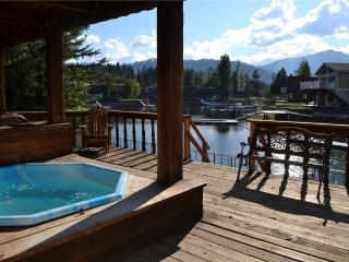 4 bedroom House with Shared Outdoor Pool in South Lake Tahoe - South Lake Tahoe vacation rentals