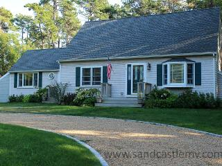 1685 - Beautiful Edgartown home with Central Air Conditioning and Pool Table - Martha's Vineyard vacation rentals