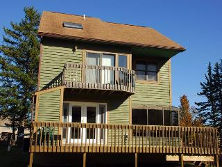 Alluring 3 Bedroom Ski In/ Ski out home w/ amazing slope views! - McHenry vacation rentals