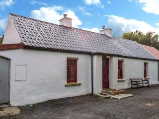 WILLOWBROOK COTTAGE, single-storey cottage, close fishing, countryside, in Askill near Bundoran, Ref 20421 - County Leitrim vacation rentals
