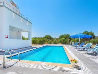 White pearl pool villas, life time vacathion - Gennadi vacation rentals