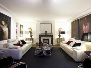 Paris Vacation Rental at Tiquetonne - 2nd Arrondissement Bourse vacation rentals