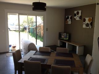 maison au calme proche mer et centre ville - Saint-Georges-de-Didonne vacation rentals