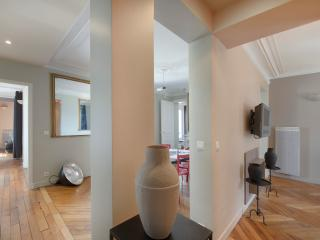 Excellent Arc de Triomphe Vacation Rental in Paris - Paris vacation rentals