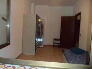 Cozy 2 bedroom Acilia Apartment with Internet Access - Acilia vacation rentals