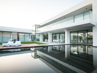 Super Luxurious 6 Bedroom Villa in Vilamoura - Vilamoura vacation rentals
