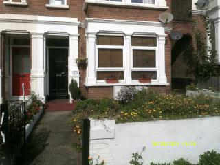 Nice Condo with Internet Access and Alarm Clock - Southend-on-Sea vacation rentals