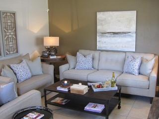 FOUR WILTON FLATS - 1b/1b pool and screened porch! - Wilton Manors vacation rentals