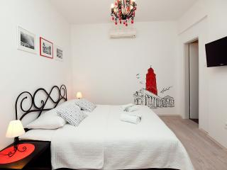Guest House LETA (Classic Suite) - Split vacation rentals