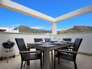 24 Pollensa Penthouse 150mtrs from the beach. - Pollenca vacation rentals