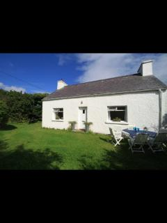 Gorgeous Cottage with Central Heating and Corporate Bookings Allowed - Narin vacation rentals