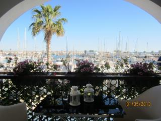 1st sealine Sitges Ideal for couple - Sitges vacation rentals