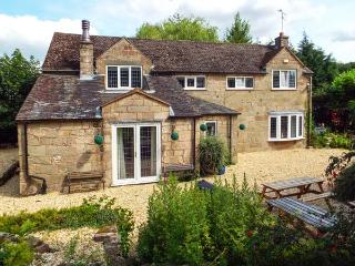 THE OLD BARN, family friendly, luxury holiday cottage, with a garden in Farley Near Alton Towers, Ref 2594 - Farley vacation rentals