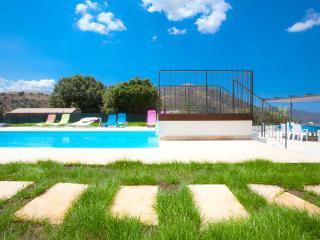 PROMO !! Villa Avec Piscine Chauffée/Plage/Rivière - Haute-Corse vacation rentals