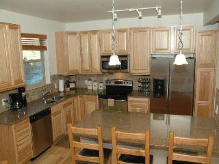 Nice and upgraded 2 bedroom condo @ Trailhead Lodge. SWIMMING POOL!!!! - Winter Park vacation rentals