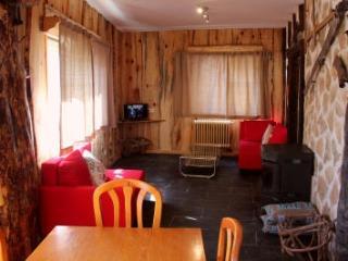 Apartamento Vacacional en Madrid, Rascafría. - Guijuelo vacation rentals