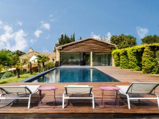 Beautifully Restored Farmhouse in Uzes - Laudun vacation rentals