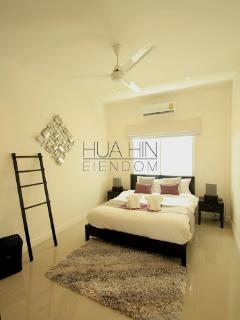 Elegant Villa Close to Town and Beach - Hua Hin vacation rentals