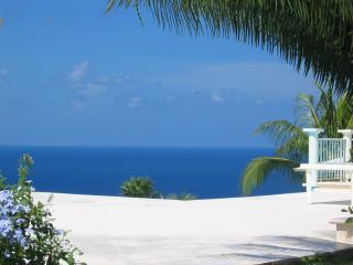 Villa 5 *  surplombant la mer des Caraïbes - Fort-de-France vacation rentals