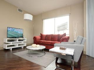 2 Bedroom 2 bathroom luxury apartment in the heart of Hollywood. - Hollywood vacation rentals