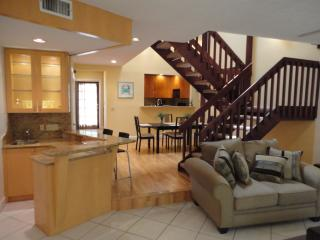 Updated Townhome Steps to the Beach & Fun! - Lauderdale by the Sea vacation rentals