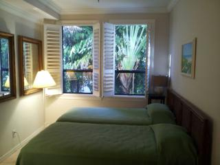 Charming 1 bedroom Condo in Palm Beach - Palm Beach vacation rentals