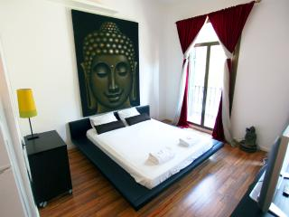 Design apartment near Rambla - Barcelona vacation rentals