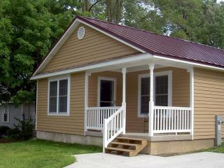 The Williams Bay Tourist House - Delavan vacation rentals