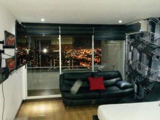 Apartamento en Oviedo-Poblado  Apartment in Oviedo - Colombia vacation rentals