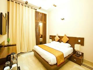 King Room Defence Colony Bed & Breakfast - New Delhi vacation rentals