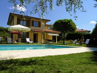 5 bedroom Villa in Loro Ciuffenna, Cortona and surroundings, Tuscany, Italy - Loro Ciuffenna vacation rentals