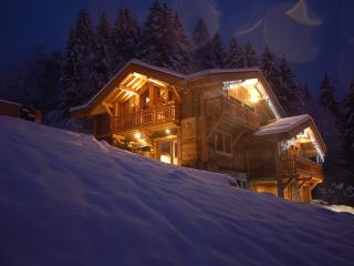 Beautiful Chalet in Les Houches with Deck, sleeps 18 - Les Houches vacation rentals