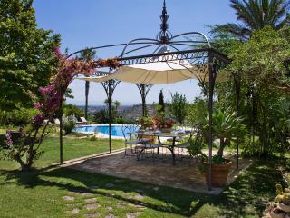 Bright 2 bedroom Villa in Caltagirone - Caltagirone vacation rentals
