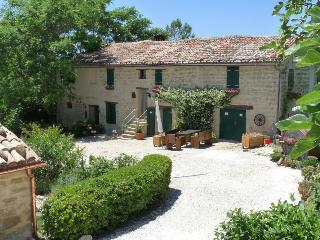 Cozy 3 bedroom Bed and Breakfast in Cupramontana - Cupramontana vacation rentals