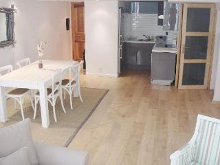 Light & Spacious Old Town apt steps from the Sea - Villefranche-sur-Mer vacation rentals
