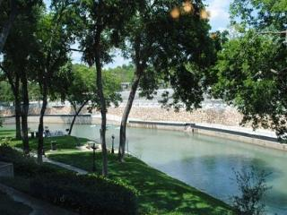 Remarkable views along the Comal River! - New Braunfels vacation rentals