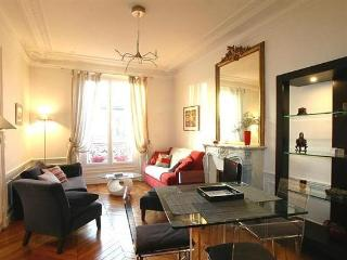 Latin Quarter 1 Bedroom (2826) - Paris vacation rentals