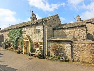 Spacious Cottage with Deck and Satellite Or Cable TV in Grassington - Grassington vacation rentals