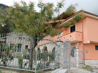4 bedroom Villa with Television in Morigerati - Morigerati vacation rentals