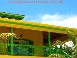 Perfect 4 bedroom Roatan House with Internet Access - Roatan vacation rentals