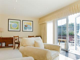 Nice Condo with Internet Access and Dishwasher - Caterham vacation rentals