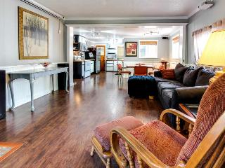 Classy & luxurious dog-friendly downtown cottage with a private hot tub! - Coeur d'Alene vacation rentals