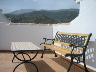 Cozy 3 bedroom Townhouse in Canillas de Albaida with Television - Canillas de Albaida vacation rentals