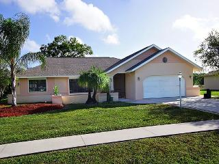 Beautiful 3 Bedroom Pool home in N. Fort Myers - North Fort Myers vacation rentals