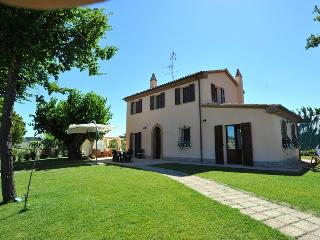 Cozy 2 bedroom House in Mondolfo - Mondolfo vacation rentals