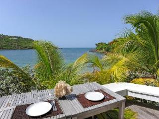 Romantic Buddha Bay villa directly on Marigot beach with spa & daily maid - Marigot vacation rentals