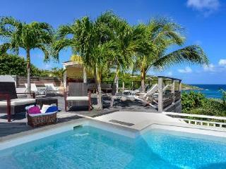 Modern Villa Escapade boasts splendid views, large pool & close to Marigot Bay - Marigot vacation rentals
