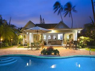 Aukai Villa, 4BR, Pool, A/C, Walk to Beach - Honolulu vacation rentals