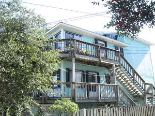Bayview- Enjoy a relaxing getaway at this centrally located water view condo - Wrightsville Beach vacation rentals