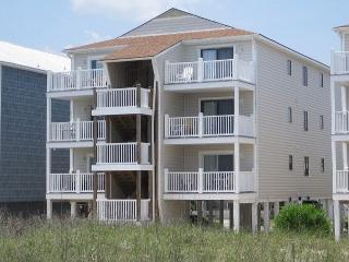Cyn's Delight -  Chill out and unwind at this comfortable oceanfront condo - Carolina Beach vacation rentals